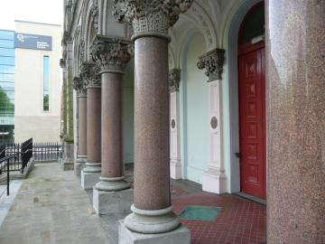 Гранитные колонны пустотелые точенные